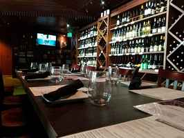 wine-bar-and-restaurant-los-angeles-california