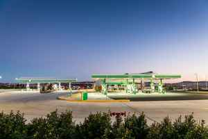 High Volume GasStation With Liquor License