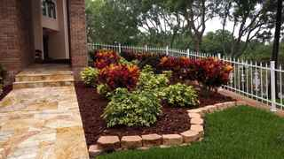 commercial-and-residential-lawn-maintenance-compa-tampa-florida