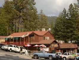 mixed-use-commercial-building-idyllwild-california