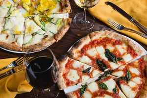 Exclusive - Restaurant - Bar - Pizza